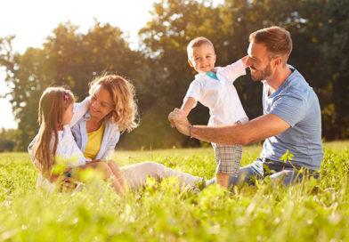 Beim Finanzamt Familienbonus beantragen und bis zu 1500 EUR pro Kind holen!