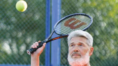 Bild von Menschen im mittleren Alter bei der Sportauswahl 8 Grundregeln